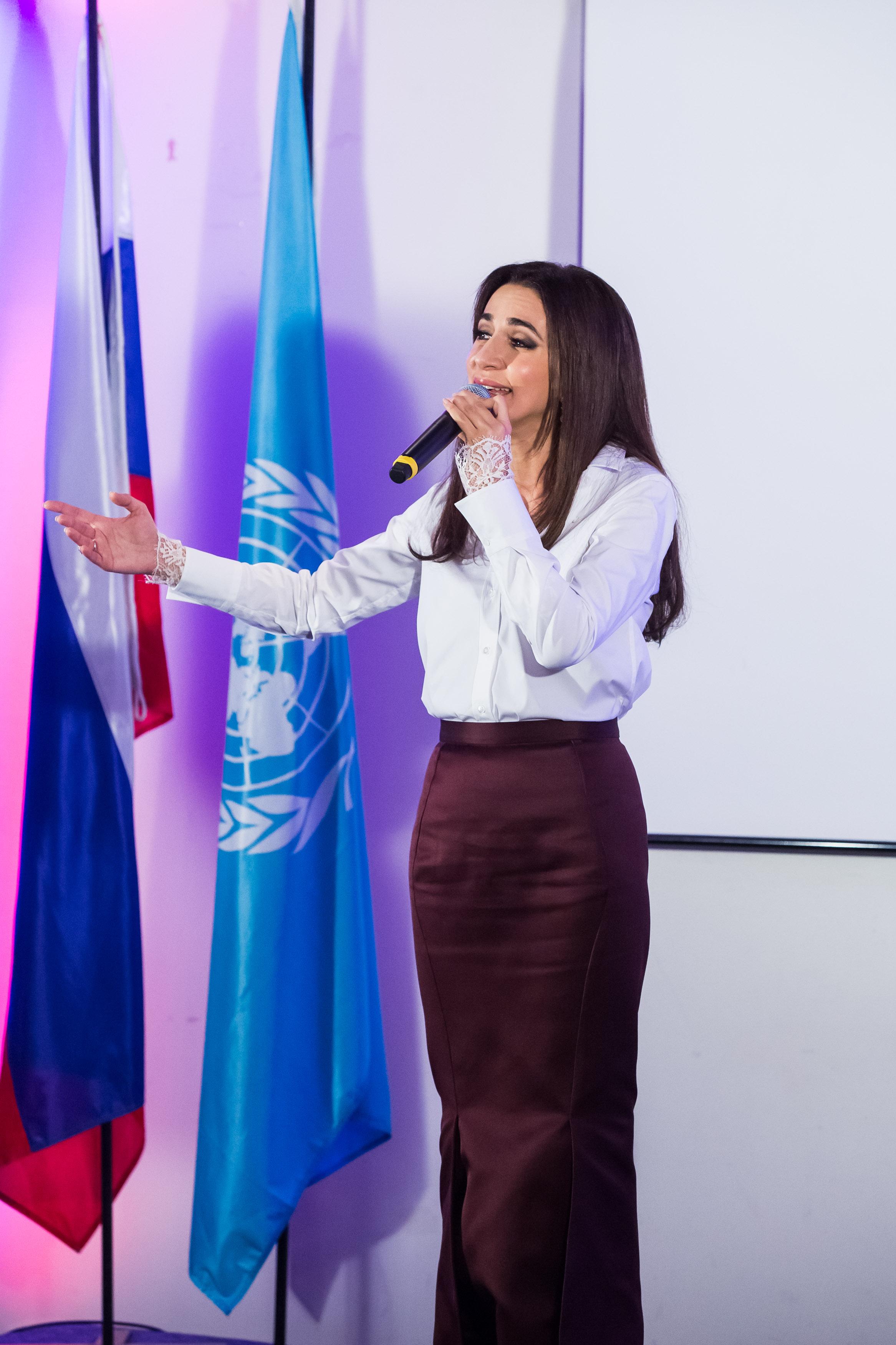 """Зара удостоена звания Юнеско """"Артист Мира"""""""
